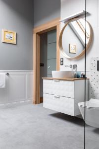 A bathroom at Kamieniec 27 Bed & Breakfast