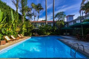 The swimming pool at or close to Pousada do Príncipe
