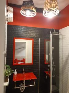 A bathroom at Andra Mari Apartamentu Turistikoak