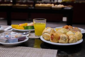 Breakfast options available to guests at Wyndham Rio de Janeiro Barra