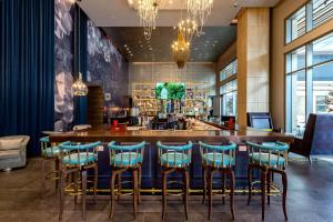 A restaurant or other place to eat at Hotel Indigo - Los Angeles Downtown