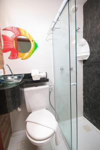 A bathroom at Pousada dos Cabanos