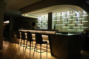 The lounge or bar area at Hotel International Prishtina & Spa