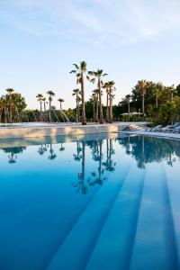 The swimming pool at or close to Best Holiday Port Grimaud