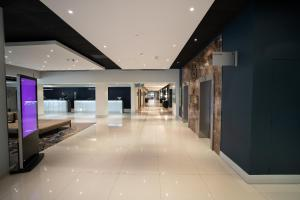 The lobby or reception area at Crowne Plaza Stratford-upon-Avon