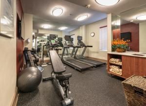 The fitness center and/or fitness facilities at Hotel Cass - A Holiday Inn Express at Magnificent Mile