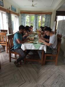 Ресторан / где поесть в Green Tara Hotel