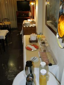 A restaurant or other place to eat at Hotel Alkyon