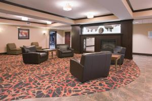 The lobby or reception area at Holiday Inn Express Hotel & Suites Moab, an IHG Hotel