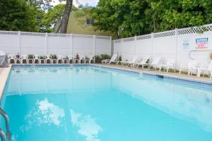 The swimming pool at or near Bar Harbor Villager Motel