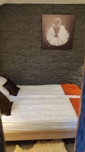 Кровать или кровати в номере Green Place Portoroz RC