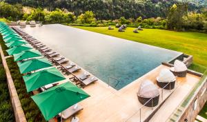 A view of the pool at Gran Meliá Iguazú or nearby
