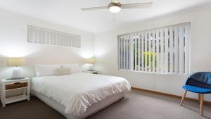 A bed or beds in a room at 6 Seaview Street Forster- Melissa Jane
