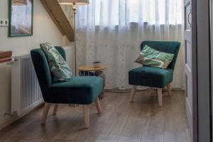 A seating area at B&B Aan het Park Eindhoven