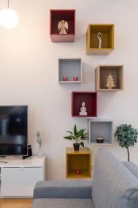 Een TV en/of entertainmentcenter bij Luxury Apartment In The Center of Prague