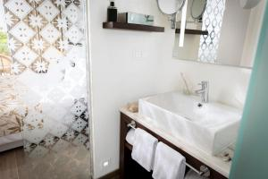 Een badkamer bij ROBINSON CLUB Cabo Verde