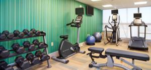 The fitness centre and/or fitness facilities at Holiday Inn Express Nags Head Oceanfront
