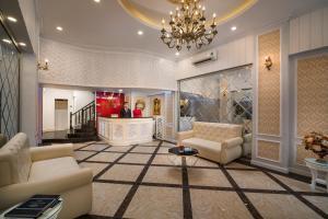 The lobby or reception area at Hanoi Royal Palace Hotel 2
