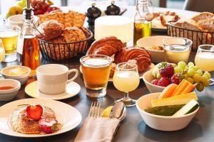 Breakfast options available to guests at Steigenberger Grandhotel Handelshof Leipzig