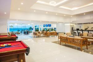Mesa de billar en Krystal Cancun