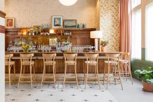 The lounge or bar area at Palihotel San Francisco