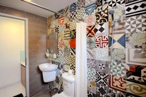 Phòng tắm tại Holi Eighteen's House