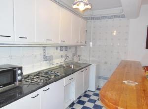 Una cocina o zona de cocina en Apartamentos Rurales Panjuila