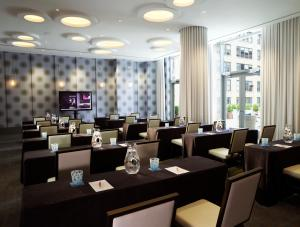 A restaurant or other place to eat at Kimpton Hotel Eventi