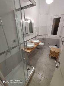 Salle de bains dans l'établissement Double B Ferruccio I