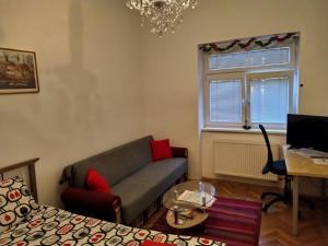 Coin salon dans l'établissement Apartment Andreevsky