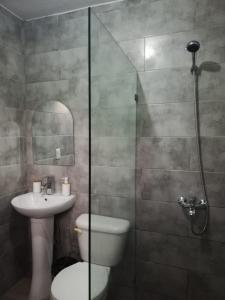 A bathroom at Hotel Sol Azul