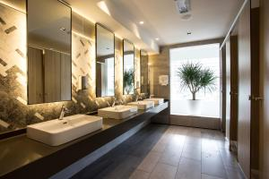 A bathroom at Swiss-Garden Hotel & Residences, Genting Highlands