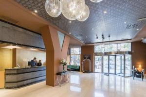 The lobby or reception area at Abba Madrid