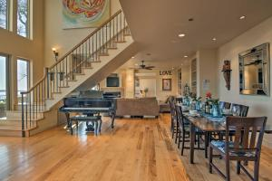 A restaurant or other place to eat at Spacious Casa dAmore Granite Bay Lake House!