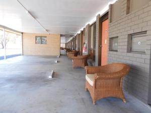A seating area at Dalby Parkview Motel