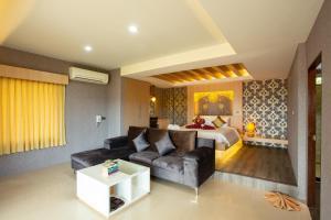 A seating area at Sita Beach Resort