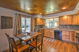 A kitchen or kitchenette at Beautiful Waterfront Monticello House with Fire Pit!