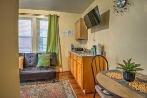 A kitchen or kitchenette at Bronx Apartment - 1 Block to Subway to Manhattan!