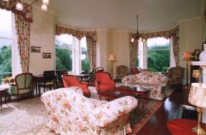 A seating area at Glengarry Castle Hotel