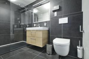 A bathroom at Hotel Hvezda
