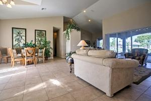 Lobby/Rezeption in der Unterkunft Chic Cape Coral House with Private Pool, Lanai and Dock