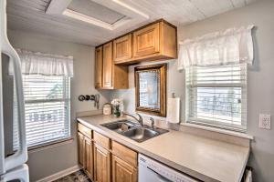A kitchen or kitchenette at Old School Fernandina Beach Duplex with Ocean View!