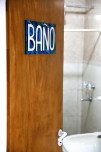 A bathroom at Hostel Wenüy