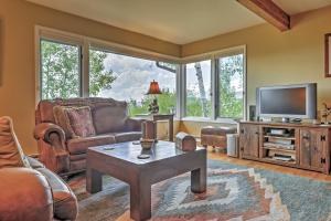 A seating area at Private Steamboat Springs Home w/Hot Tub+Mtn Views
