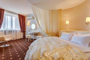 Ліжко або ліжка в номері BRATISLAVA Hotel Complex