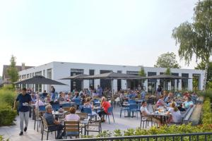 A restaurant or other place to eat at Vakantiepark Eiland van Maurik