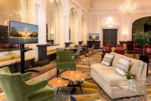 A área de bar ou lounge em The Fairfax at Embassy Row, Washington D.C