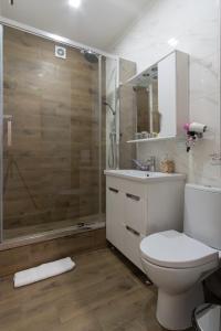 A bathroom at Boomerang Boutique Hotel