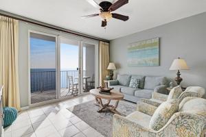 A seating area at Majestic Sun 904A Miramar Beach (Condo)