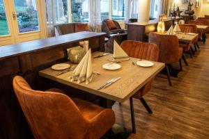 A restaurant or other place to eat at Hotel Tatenhove Texel